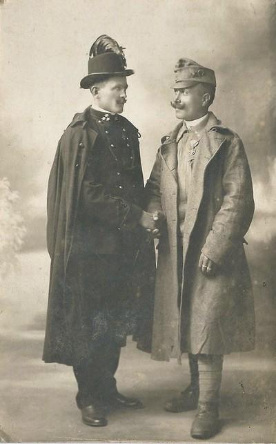 Csendőr és katona