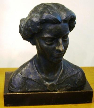 Karesz - Női fej