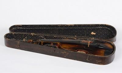 Hegedű tokban