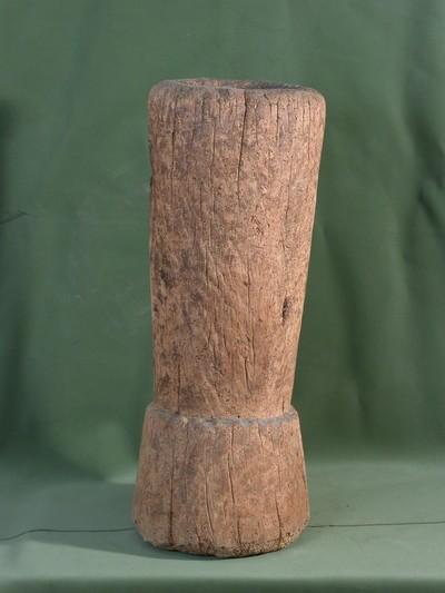 famozsár (gabona, mák, sótörő törővel)