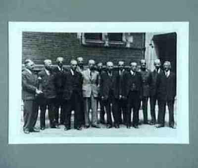 Origineel in zwart album familie Schermerhorn Presentatie nieuwe kabinet Voor plaats van de personen zie Keesings Historisch archief, p6354a
