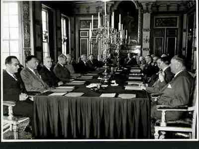 Afscheid Eisenhower in ministerraad Plaats personen bij foto aangegeven