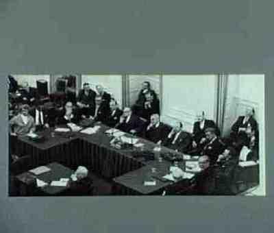 Het begin van de Algemene Beraadslagingen Plaats personen bij foto aangegeven