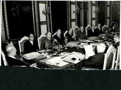 Eerste vergadering rijkskabinet Plaats personen aangegeven bij foto