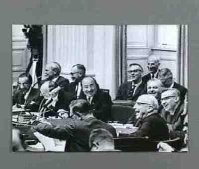 Kabinet Cals in de 2e Kamer Plaats personen bij foto aangegeven