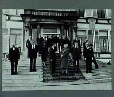Het nieuwe kabinet op paleis Soestdijk Plaats personen aangegeven bij foto
