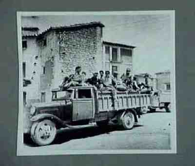Transporte de milicianos. Series of 3 photos.Copied from CNT collection
