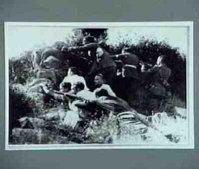 Las fuerzas leales en un trinchera del Guadarrama para combatir a los facciosos de general Mola. Copied from CNT collection