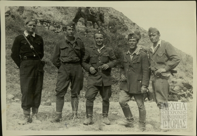 Μαχητές και στελέχη ΔΣΕ
