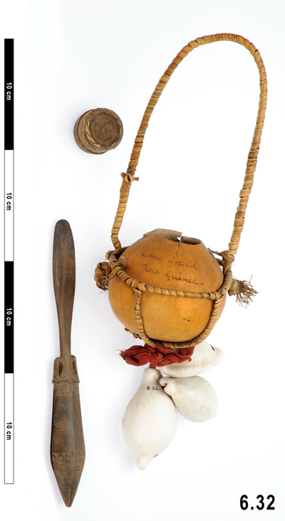 lime spatula (narcotics & intoxicants: chewing); stopper (containers); lime gourds