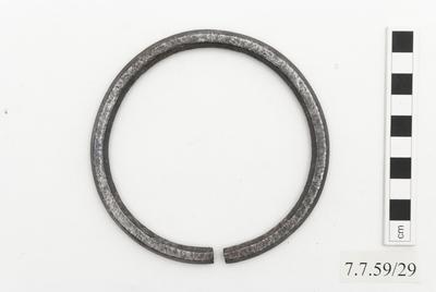 ring (adornment)
