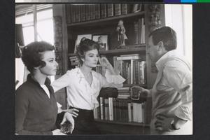 Giovanna Ralli, Anouk Aimée e Paolo Spinola sul set de La fuga (Paolo Spinola, 1964)
