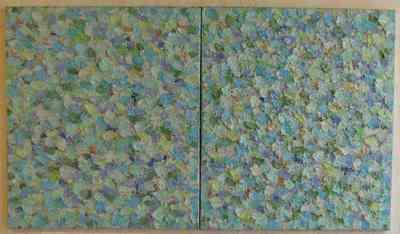 Het schilderij 'Schuimende zee III' uit 2002 is een harmonieus spektakel met verf, licht en kleur. Er is geen horizon of strand, er zijn alleen schuimende golven geschilderd in blauwe, groene en witte kleuren. De dik opgebrachte verfstreken zijn als het ware de zee zelf, niet van water, maar van olieverf.