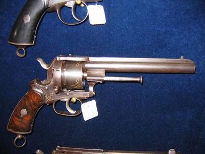 revolver, 6 schoten, penvuur, notenhouten gepolijste kolf