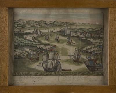 Gravure gezicht op de Dardanellen, op papier, ingekleurd, waarop de rivier met veel scheepvaartverkeer zich door het landschap slingert