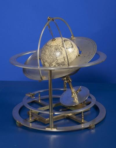 Graphometer van geel koper, ook wel lunarium genoemd