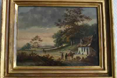 Olieverfschilderij van een landschap met op de voorgrond een huis aan een zandweg, achter het huis een bomenrij, voor het huis een ruiter bij een groepje dat bij het huis zit en staat, niet gesigneerd
