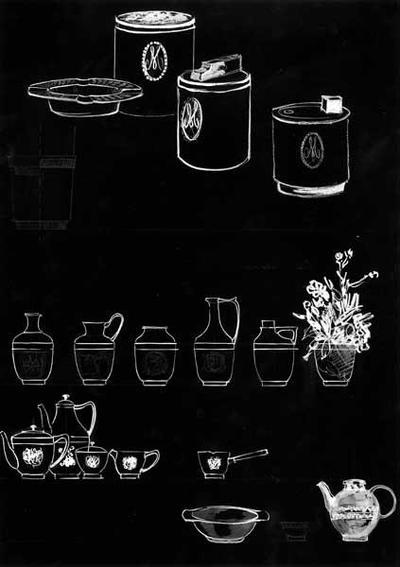 Ontwerptekening van een asbak, sigarettendoos, aanstekers; diverse kannen, een koffie- en theeservies, een kannetje met tuit en lange steel, een schaaltje met twee handgreepjes en een theepot.
