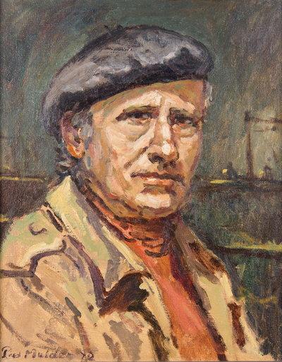Olieverf schilderij van een man in een lichte jas en alpinopet. De donkere achtergrond suggereert een riviergezicht met een schip met hoge mast. Het doek is ingelijst in een strakke, smalle grijze lijst.