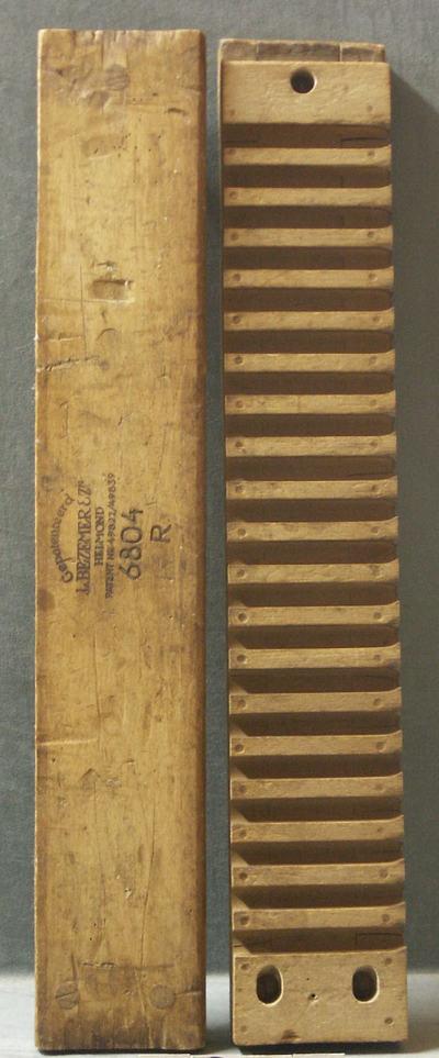 sigarenblok, hout met diverse opdrukken van L. Bezemer & Zn