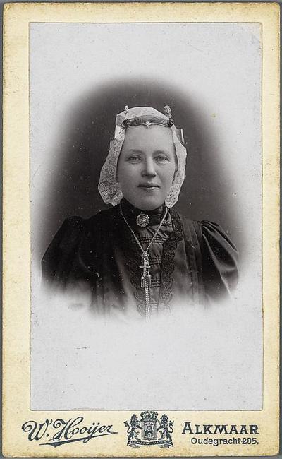 Neeltje Haarman-Strooper in West-Friese dracht, circa 1890