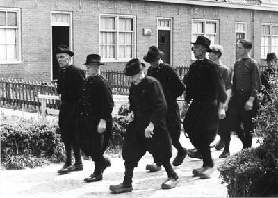 Begrafenisstoet, Marken, 1943