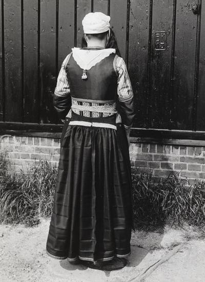 Lobberig Zeeman in Marker dracht, 1943