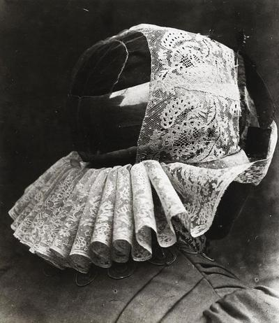 Vrouw in Blaricumse streekdracht, 1913-1916