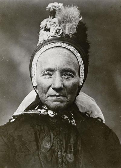 Vrouw in Twentse streekdracht, 1913