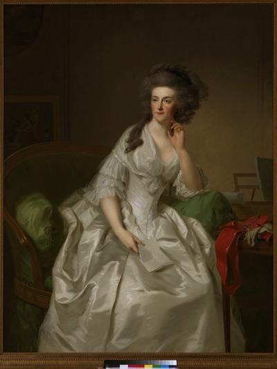 Portret van Wilhelmina van Pruisen, prinses van Oranje-Nassau, zittend op een canapé in Lodewijk XVI-stijl met groen damasten bekleding met een brief in haar rechterhand. De prinses is naar de laatste mode gekleed in een losvallende witte, zijden japon. Haar haar is in losse krullen gekapt. In tegenspraak met deze bestudeerde nonchalance is de strenge uitdrukking op het gezicht van de prinses. Enigszins hautain kijkt zij langs de beschouwer heen, het hoofd rustend op haar hand. Rechts naast haar, op een elegant Lodewijk XVI-tafeltje, ligt de Russische Orde van de H. Catharina, die slechts voorbehouden was aan dames van vorstelijke komaf. Het rode lint vormt niet alleen een fel kleuraccent, maar ook een niet over het hoofd te zien detail. Prinses Wilhelmina beschikte over een vastberadener karakter dan haar echtgenoot prins Willem V. Toen het stadhouderlijk paar in 1787 uit Den Haag was verdreven onder druk van de Patriotse opstootjes, kon zij dan ook niet lijdelijk blijven toezien. Vanuit Nijmegen, waar het prinselijk gezin zijn intrek had genomen in de goed verdedigbare burcht Het Valkhof, ondernam zij, slechts vergezeld door enkele hofdames, de tocht naar Den Haag om de terugkeer van de stadhouder af te dwingen. Haar aanhouding bij Goejanverwellesluis in de buurt van Gouda door een Patriots vrjkorps maakte een voortijdig eind aan deze onderneming en leidde tot de interventie van het Pruisische leger en het herstel van de prins in zijn vroegere functies in 1788. Om duidelijk te maken dat de stadhouder weer terug was, bestelden Willem V en Wilhelmina nieuwe staatsieportretten van zichzelf en hun kinderen. Het geduld van de schilder J.F.A. Tischbein (1750-1812), die al enige tijd in de Nederlanden verbleef maar tot dan toe tevergeefs had gewacht op een opdracht van het hof, werd beloond. Hij mocht een aantal pendantportretten van de prins en de prinses maken, welke later zowel in olieverf en pastel als ook in druk zijn nagevolgd. Het waren de laatste officiële stadho