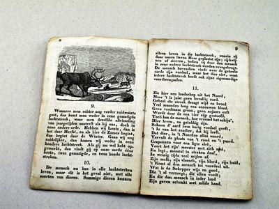 KLEIN LEESBOEKJE MET AFBEELDINGEN 24 bladzijden, kaft ontbreekt