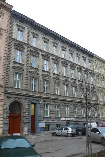 Brno, okres Brno-město, činžovní dům č.p. 1922, třída Kapitána Jaroše č.o. 3, pohled na uliční průčelí