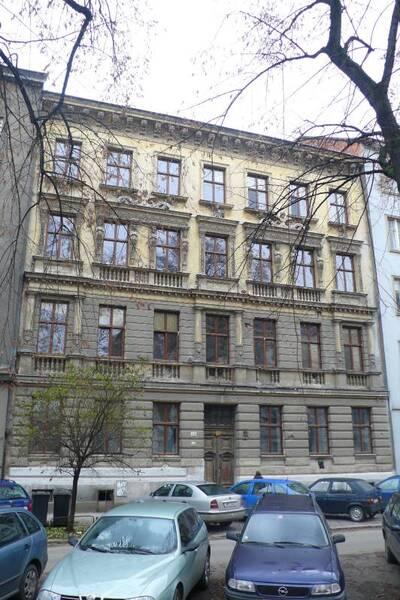 Brno, okres Brno-město, činžovní dům č.p. 1938, třída Kapitána Jaroše č.o. 23, pohled na uliční průčelí