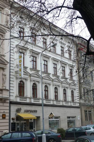 Brno, okres Brno-město, činžovní dům č.p. 1942, třída Kapitána Jaroše č.o. 29, pohled na uliční průčelí
