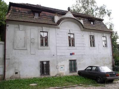 Praha 4, Podolí, č.p. 3, U podolského sanatoria 4, předměstský dům, S fasáda