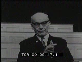 Vertice internazionale dei Partiti comunisti a Mosca: tra i temi affrontati, l'aggressione a Praga.