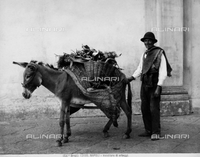 Travelling salesman with groceries, Naples.