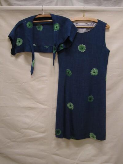 Ensemble van blauw linnen en zijdemenging