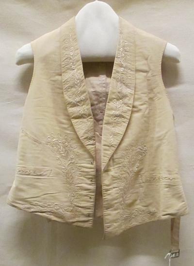 Avondvest of trouwvest (man) van fijne crèmekleurige wol