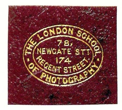 Etikett von The London School of Photography