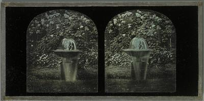 Rolle, Beaulieu, une fontaine située devant l'aile gauche de la propriété de la famille Eynard