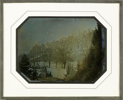 Genève, la promenade des Bastions, la future rue de la Croix-rouge et la promenade de la Treille prises de la terrasse du palais Eynard, la résidence urbaine que le photographe s'est fait construire