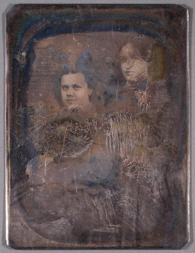 Portrait of two unknown women.