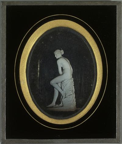 Arnina, nymphe de l'Arno, sculpture de Lorenzo Bartolini
