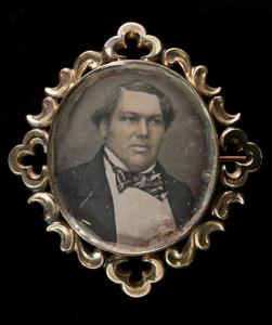 Portrait of captain C. J. Lönnqvist on brooch, colored.