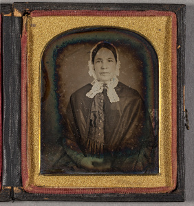 Portrait of unknown woman.