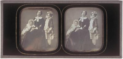 Portrait of Domien Sleeckx' wife Jozefina Nelsen and her two daughters Paula and Wilhelmina