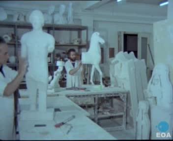 Κατασκευή εκμαγείων αρχαίων έργων τέχνης στο Εθνικό Αρχαιολογικό Μουσείο της Αθήνας.