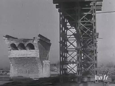 Construction in Nantes of the largest temporary bridge in Europe in the post-war period