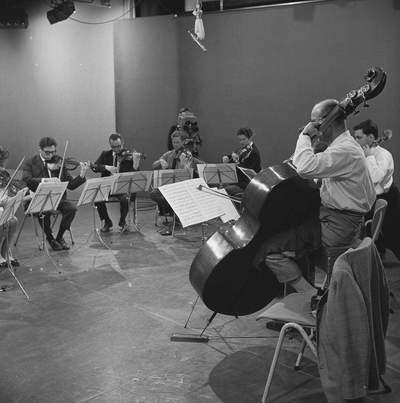 UIT BELLEVUE - 25-09-1966